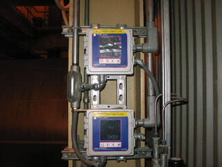 triboelectric detectors can provide backup material flow monitoring in case fill level detectors fail