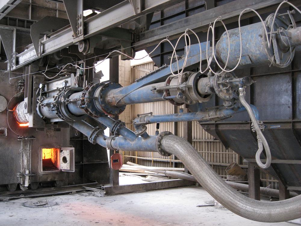 Coal injector that would benefit from the use of triboelectric technology